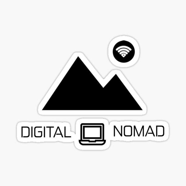 Nómada digital: montaña y diseño de portátiles Pegatina