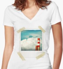 Cloud Factory Women's Fitted V-Neck T-Shirt