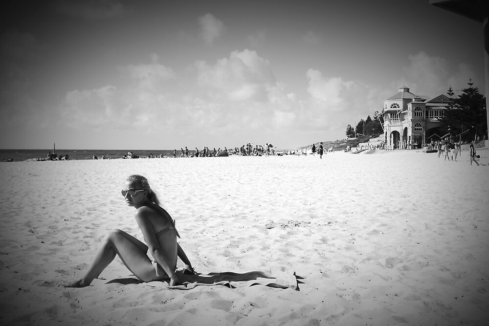 Cottesloe Beach by Andrew  Makowiecki