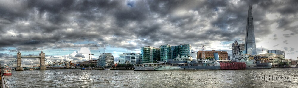 Thames panorama by AndyHuntley