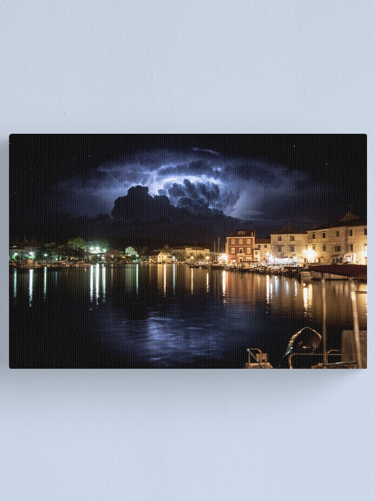 Alternate view of When the storm hits Canvas Print