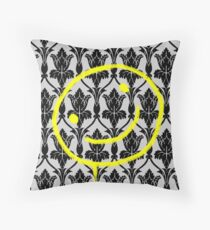 SMILE ♥ Throw Pillow