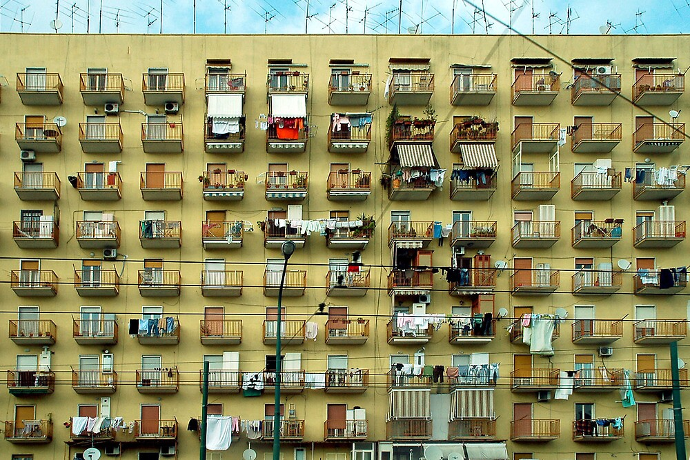 A weekday in Napoli - Italy by Arie Koene