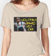 Wolfpack not far Women's Relaxed Fit T-Shirt