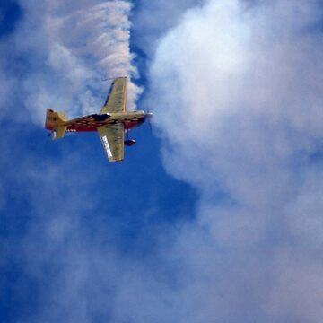 Extra 300 Aerobatics @ Deniliquin Airshow 2002 by muz2142
