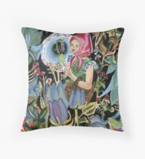 Babe in woods Throw Pillow