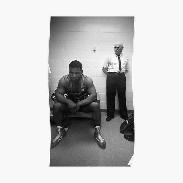 Mike Tyson avant un combat Poster