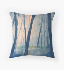 Nel bosco Throw Pillow
