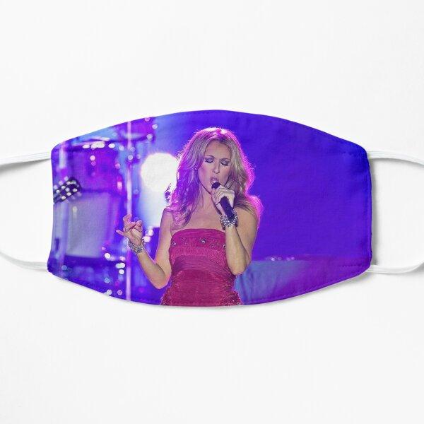 Céline Dion Beautiful se produit sur scène Masque sans plis