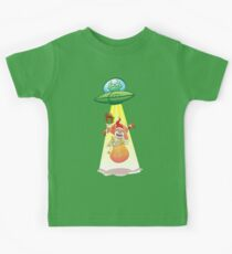 Santa Claus Abducted by a UFO just before Christmas Kids Tee