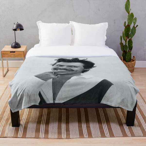 bw smiling styles Throw Blanket
