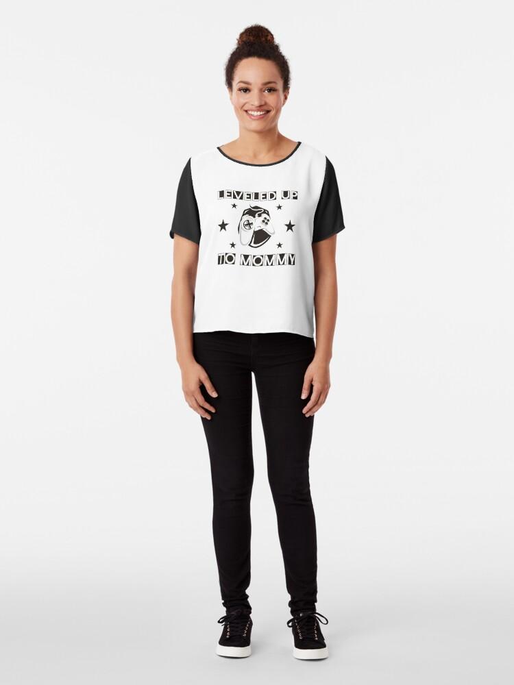 Alternative Ansicht von Kultiges Shirt für frischgebackene (oder auch schon ältere) Gamer Mamas: Leveled up to mommy schwarz und weiss Chiffon Top