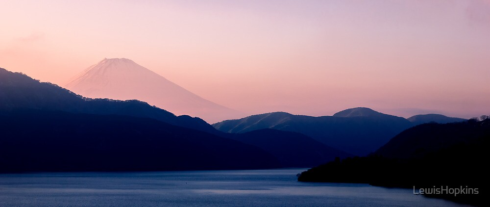Mt Fuji from Hakone-Machi by LewisHopkins