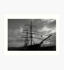 RRS Discovery Art Print