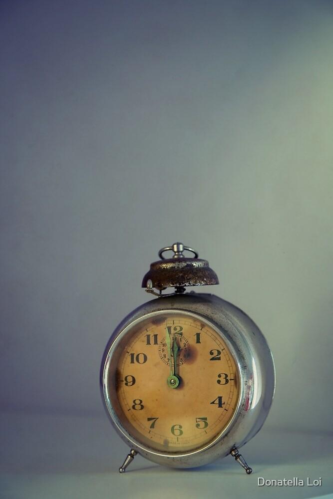 Vintage alarm clock by DonatellaLoi