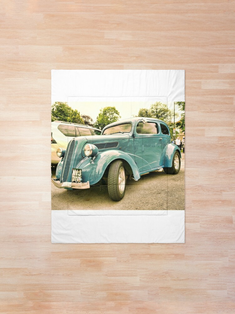 Alternate view of Vintage classic blue car in Cotsworld Comforter