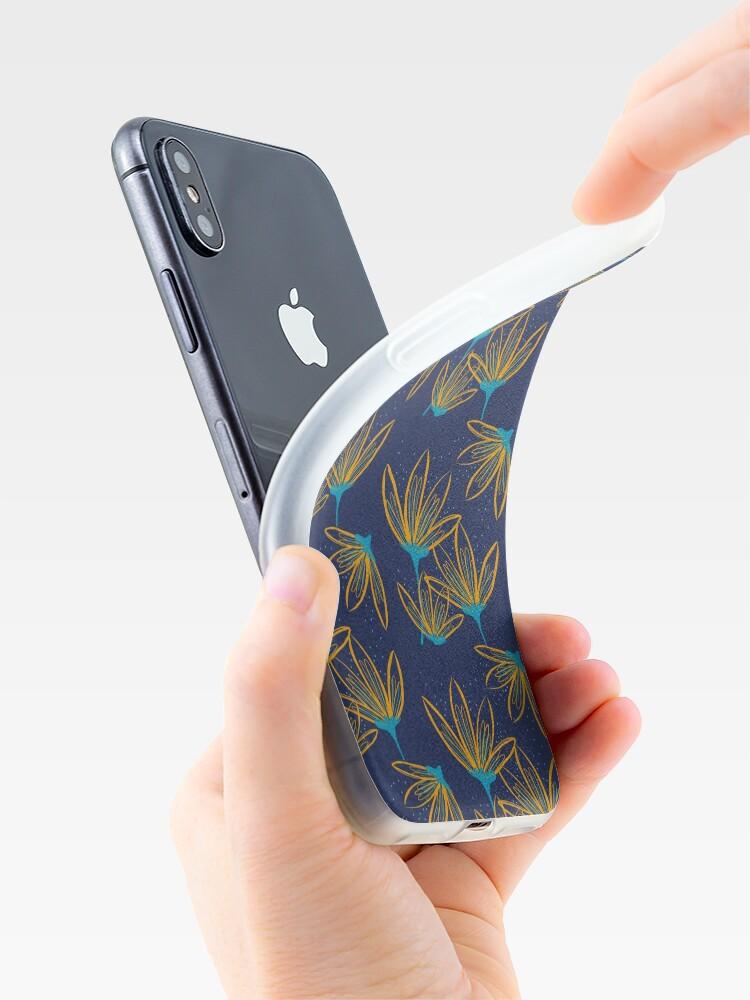 Alternative Ansicht von Blume im Sommerregen iPhone-Hülle & Cover