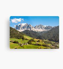 Lámina metálica Funes Valley,Dolomites,Italy