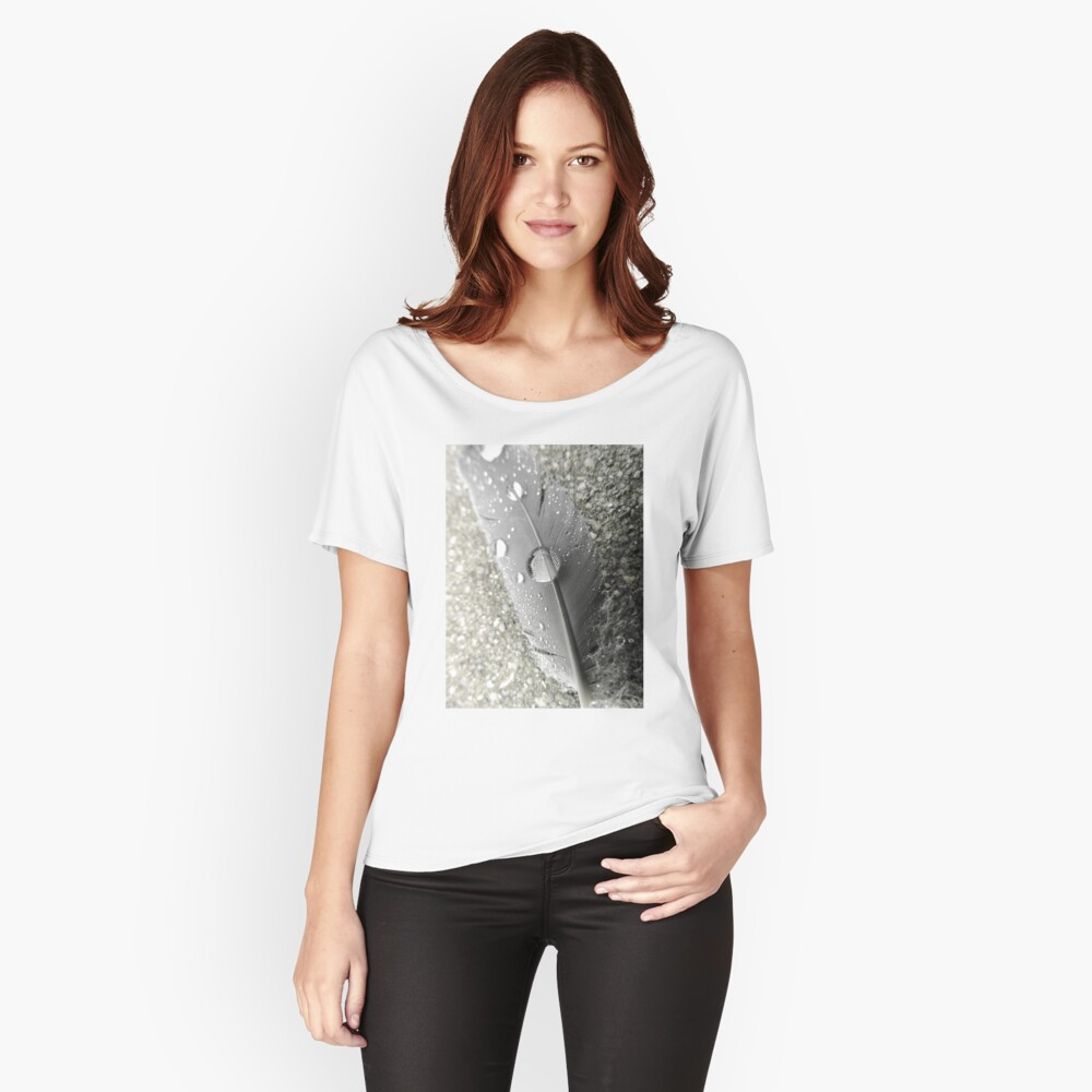 Feather with dew drops Loose Fit T-Shirt