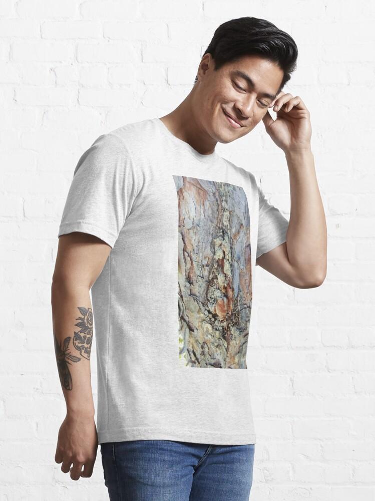 Alternate view of log up close 4 Essential T-Shirt