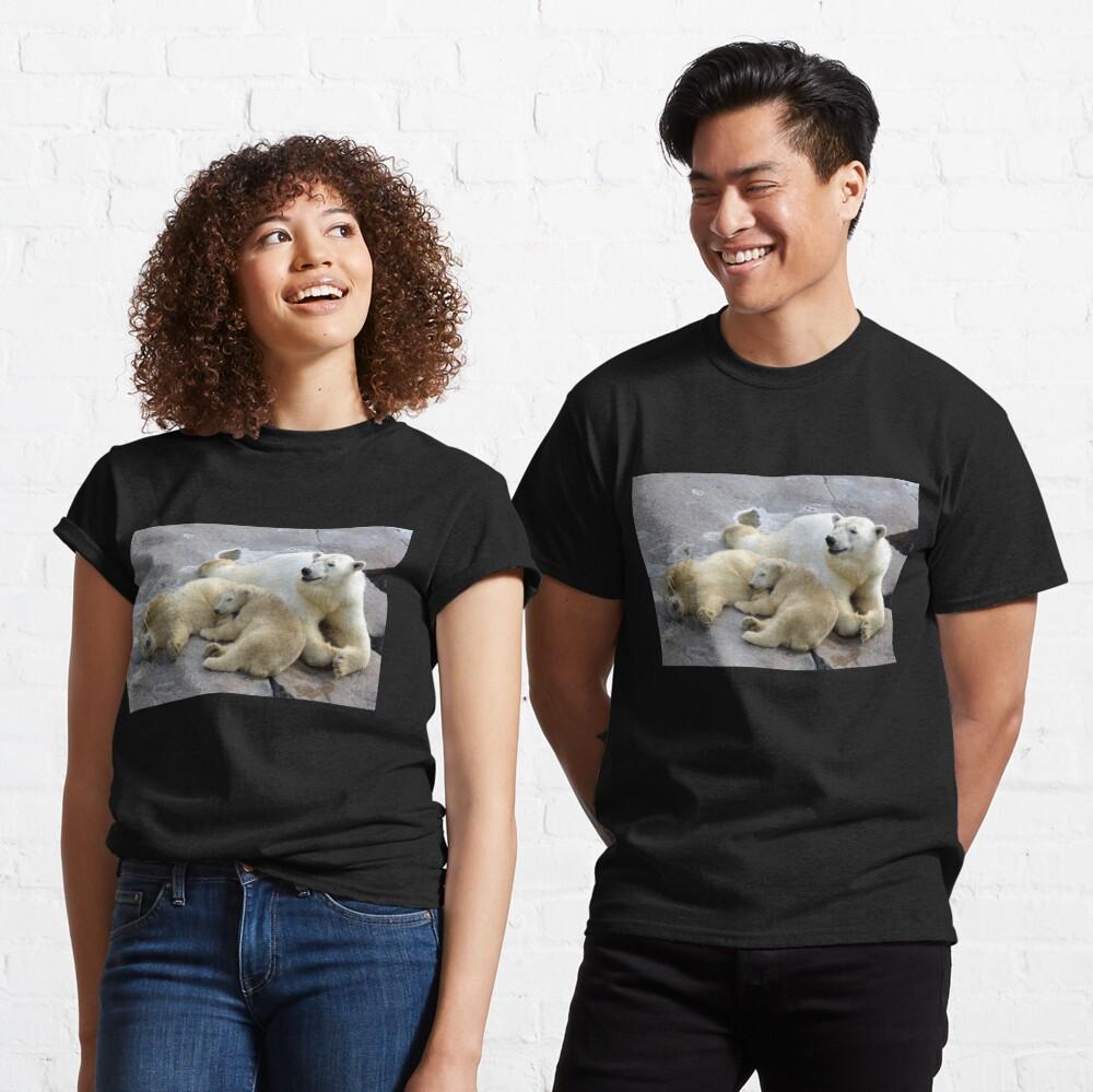 Happy nappy polar bear family Classic T-Shirt
