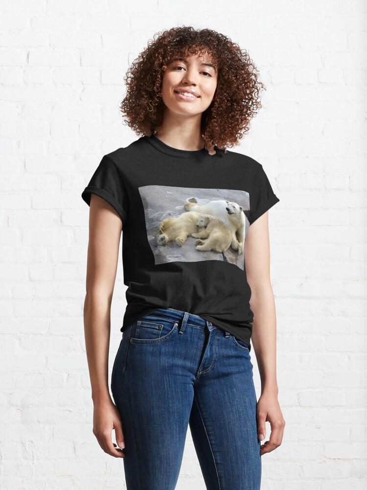 Alternate view of Happy nappy polar bear family Classic T-Shirt