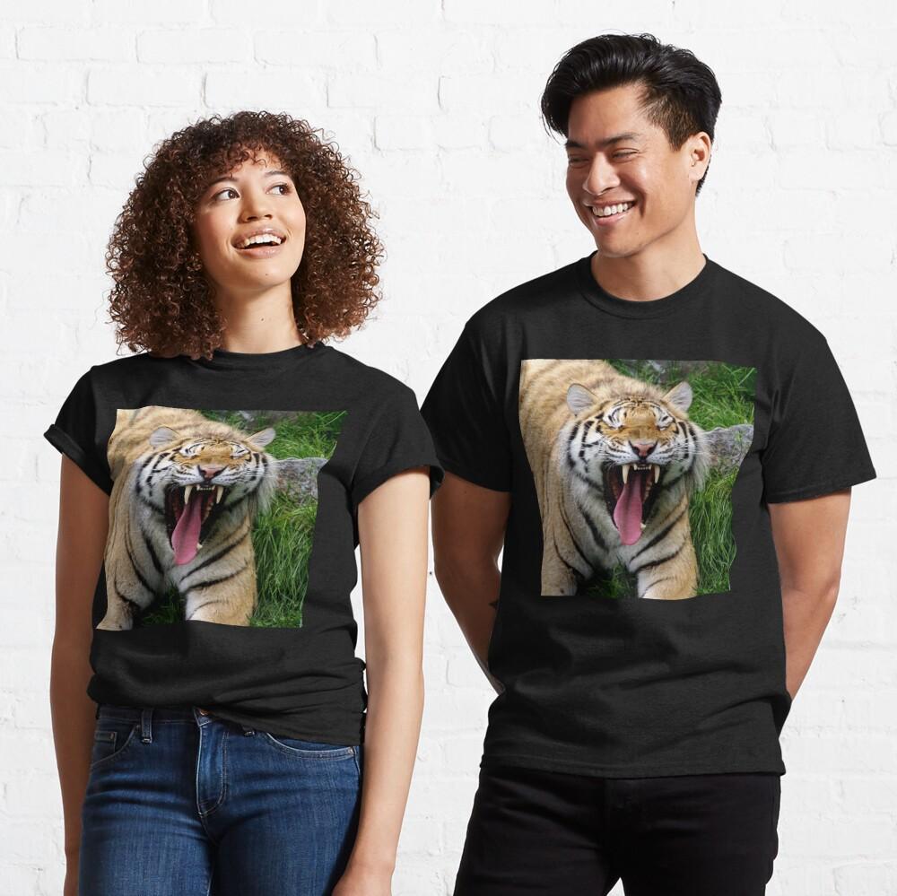 yawning tiger 1 Classic T-Shirt