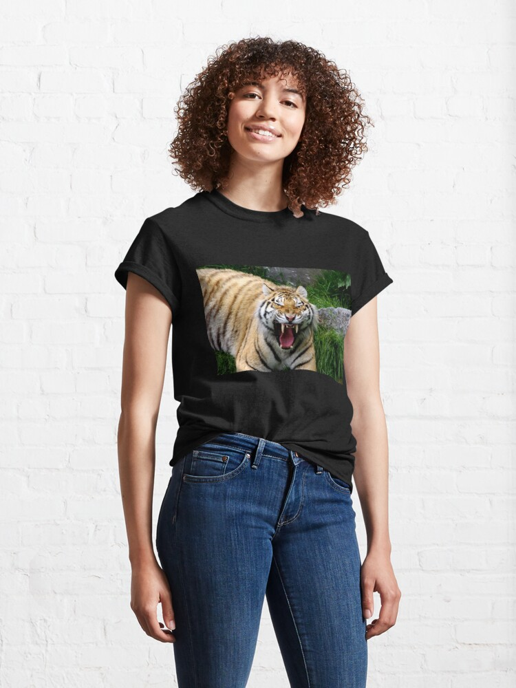 Alternate view of Yawning tiger 2 Classic T-Shirt