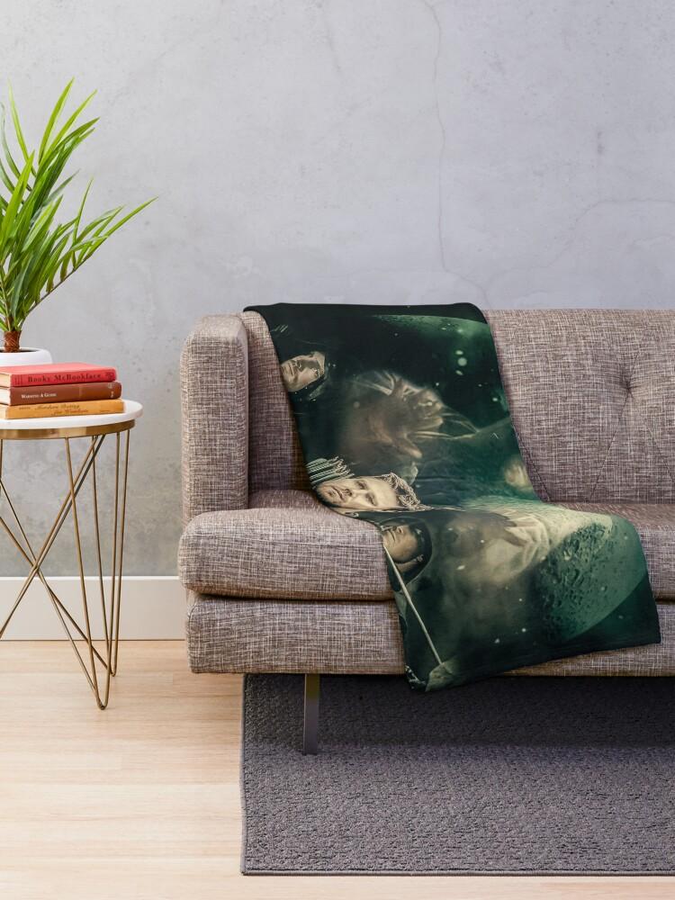 Alternate view of Arrow - Oliver Queen Throw Blanket
