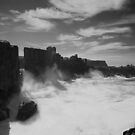 Big Swell on Bombo. by David Kennedy