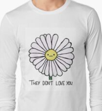 Dry Daisy Long Sleeve T-Shirt