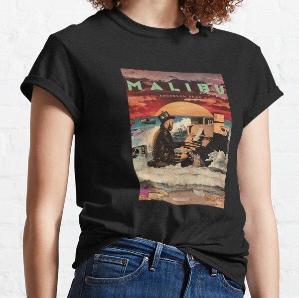 playing piano paaks inthe beach Classic T-Shirt