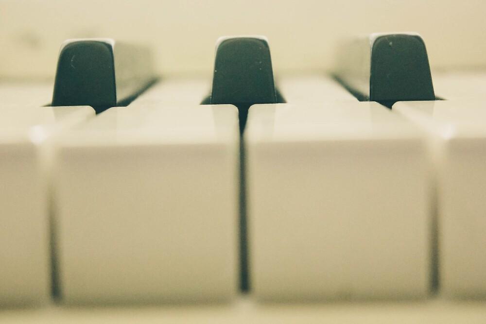 Piano by yasminsphotos