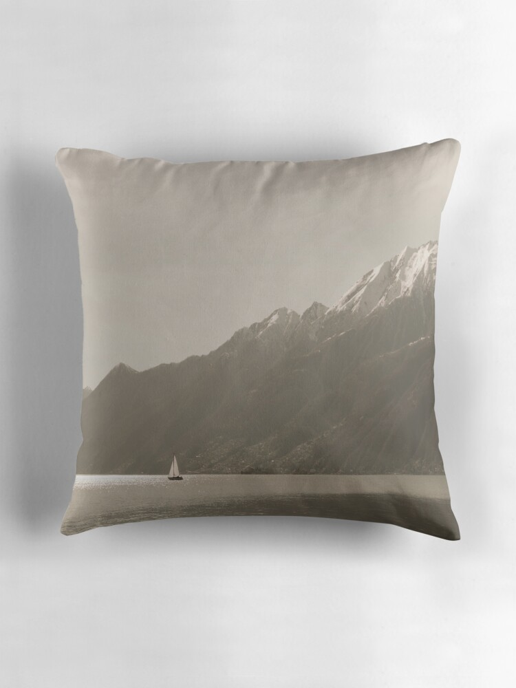 Decorative Pillows For Yachts :