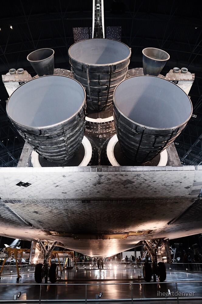Discovery Shuttle Engines by iheartdenver