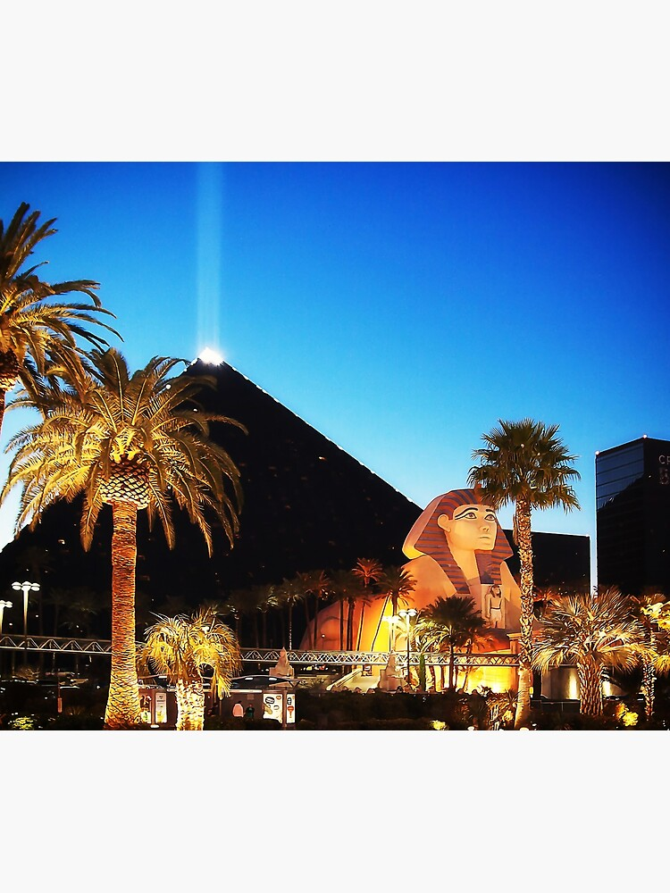Luxor Pyramid And Sphinx Of Giza, Las Vegas by travelways