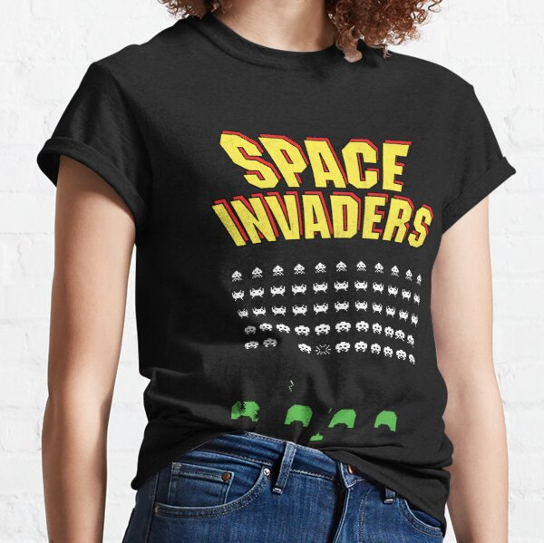 Space Invaders logo and game play YELLOW - 1978 arcade version! Classic T-Shirt