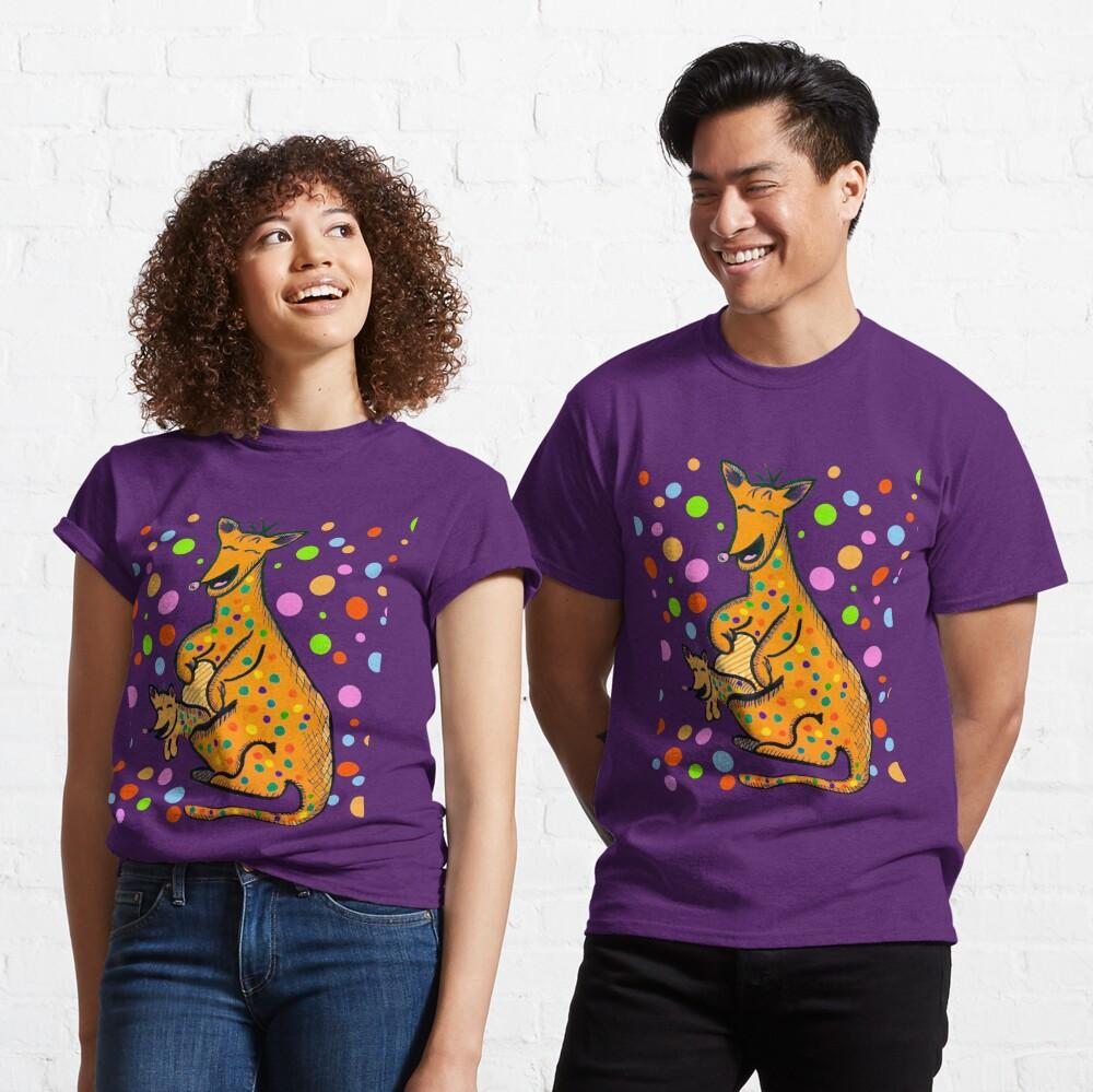 Kangaroo with Baby Laughing Orange Classic T-Shirt