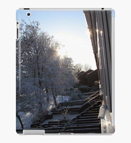 Snow Reflections Sunrise iPad-Hülle & Klebefolie