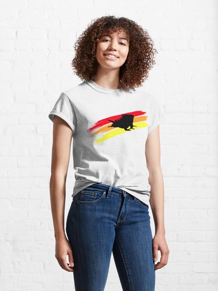 Alternate view of Colourful 3 Brush Stripe Iguana Silhouette Classic T-Shirt