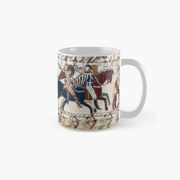 THE BAYEUX TAPESTRY ,BATTLE OF HASTINGS ,NORMAN KNIGHTS HORSEBACK Classic Mug