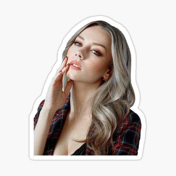 Elite Netflix - Carla Sticker