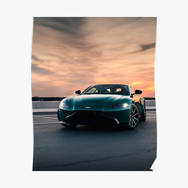 Aston Martin Vantage coucher de soleil Poster