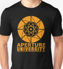 Aperture Universität Slim Fit T-Shirt