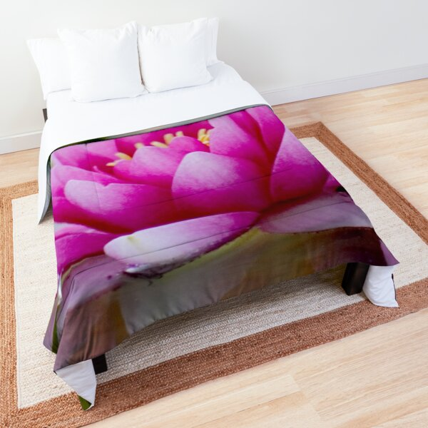 Fresh Water Lily Comforter