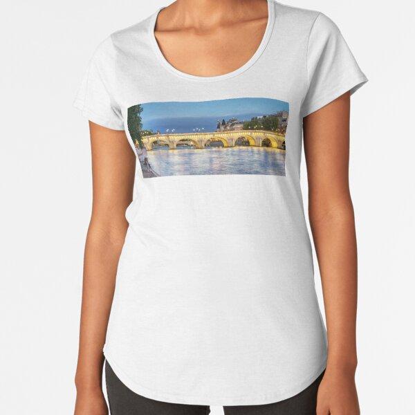 Pont Neuf Paris 02 Premium Scoop T-Shirt
