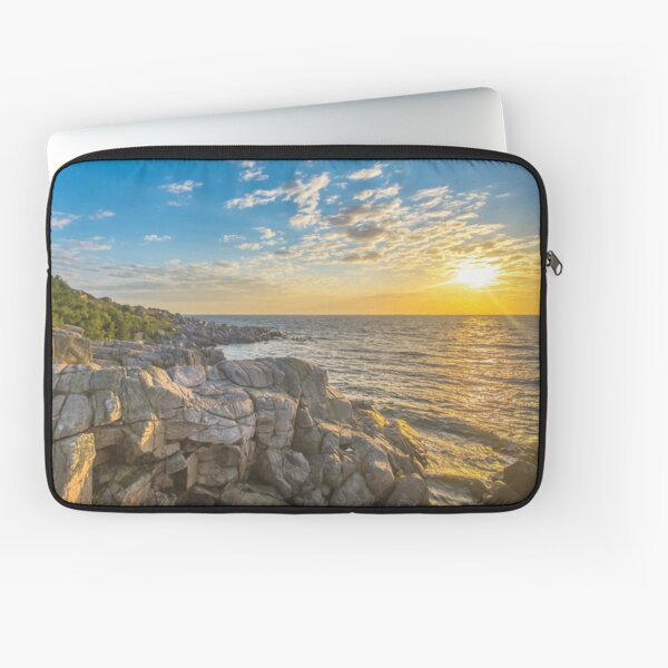 Stunning sunset over ocean and cliffs Laptop Sleeve