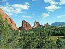 Garden of the Gods, Colorado, USA by Margaret  Hyde