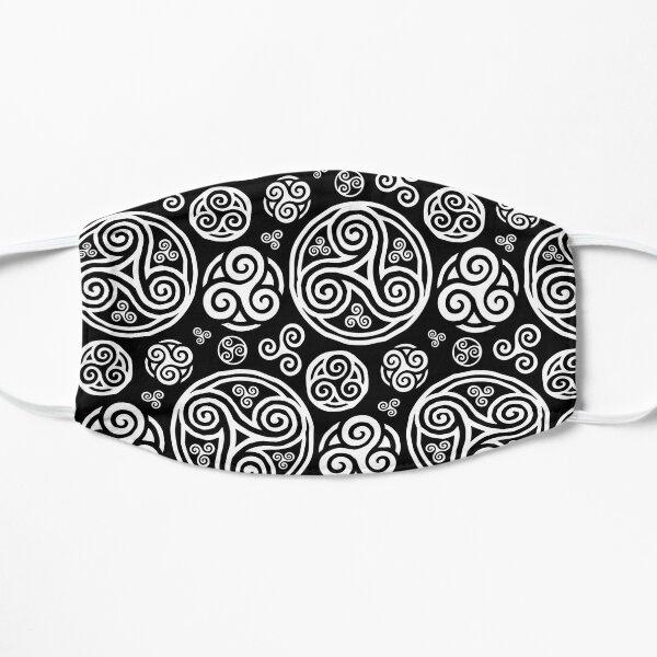 Triskels blancs sur fond noir Masque sans plis