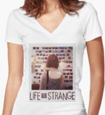 Life is strange Max Women's Fitted V-Neck T-Shirt